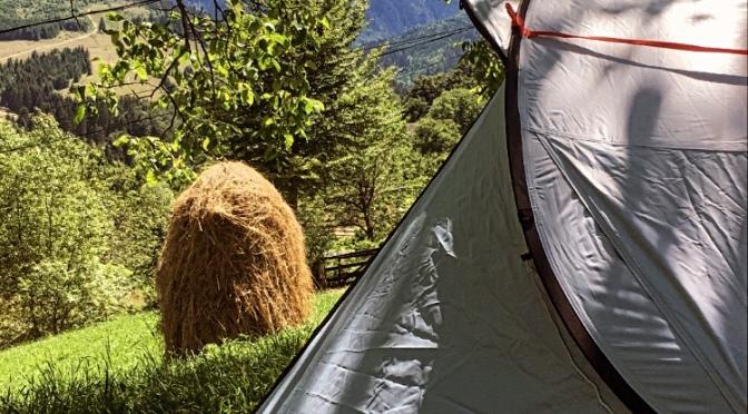 Campare cu cortul. Frică de frig și de urși.